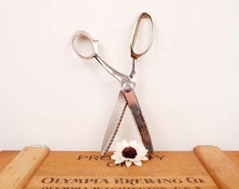 vintage steel WISS pinking shears or scissors