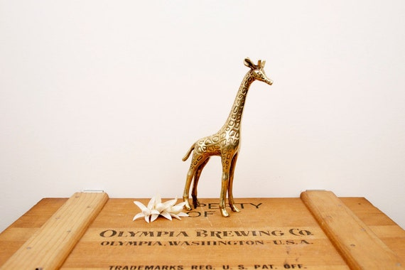 vintage medium brass giraffe figurine