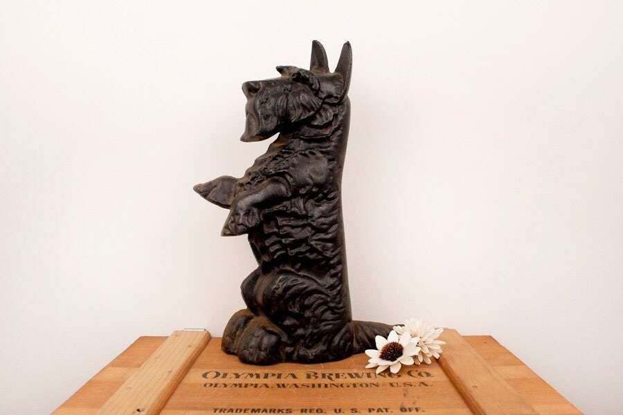 Vintage cast iron scottie dog doorstop - Cast iron dog doorstop ...