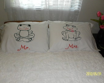 Mr. & Mrs. Frog Hand Painted, Standard, Couples Pillow Cases, Bedroom Decor