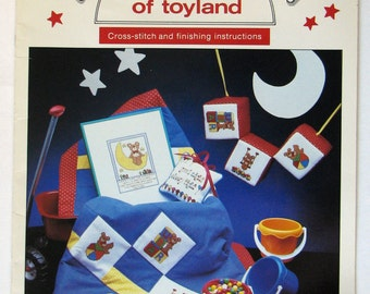 Counted Cross Stitch Booklet Christmas Patterns1983