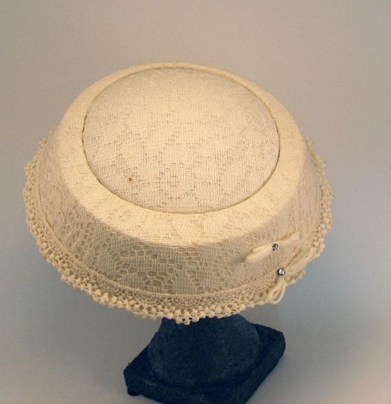 Cream Pillbox Hat Vintage