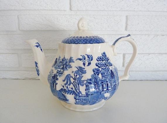 Blue Willow James Sadler of England Teapot