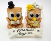 Owl cake topper for a wedding cake, cute luckycharm