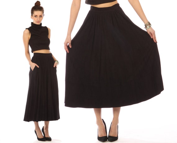 suede leather skirt midi // black suede // vintage 80s // full pleated flowy // buttery soft // small medium