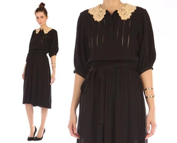 crochet collar dress // vintage 80s // cut out  // little black // tie waist // peter pan // victorian // xsmall