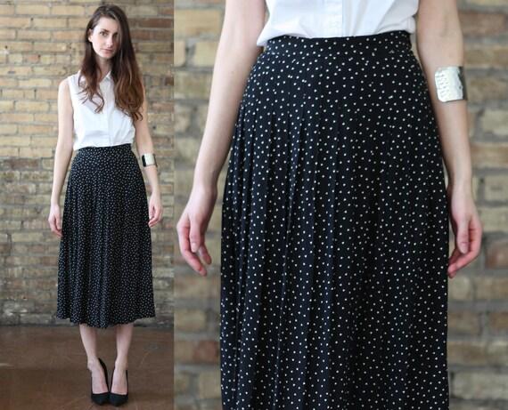 black midi skirt // white triangle polka dots // geometric // vintage 80s //  flowy  pleated  // medium