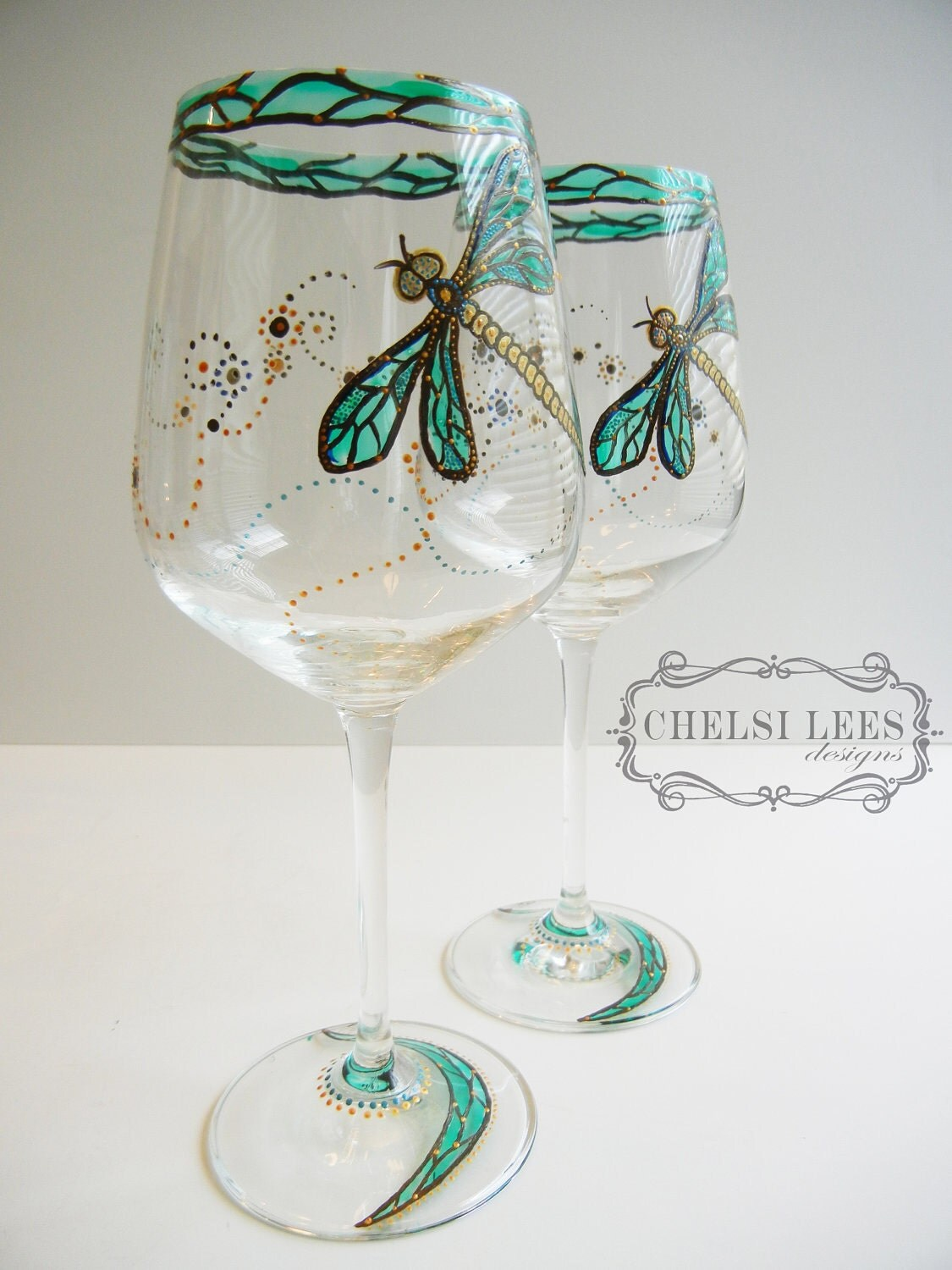 Set of 2 hand painted wine glass dragonfly design for Hand painted wine glasses
