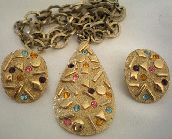 """Sarah Coventry """"Sultana"""" set, necklace and clip earrings clearance price"""