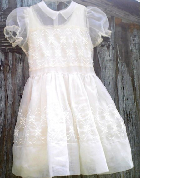 Girls First Communion Dress Vintage 1960s Slip Veil White