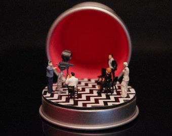 RED ROOM Twin Peaks Diorama customizable