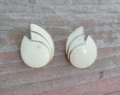 Vintage Coast Earrings - Off White and gold (1960's - 1970's) Rustic and antique appearance