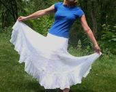 Vintage Shabby Chic White Full Gypsy Skirt. BOHO. Ruffles. Petticoat Beachwear. Romantic Crisp Cotton Bohemian Hippie Skirt - Size S/M