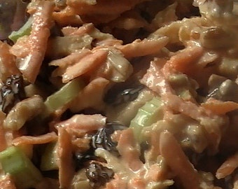 Make Your Own Vegan Carrot Raisin Salad Deluxe - A Tasty Raw Food Recipe - PDF INSTANT DOWNLOAD