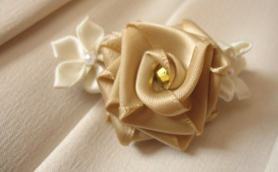 Toffee rose and cream ribbon flower pin