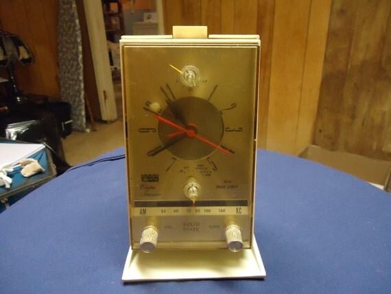 Arvin Tranistor Electric Clock Radio.....Reserved for Allen