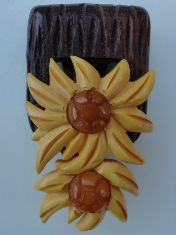 Bakelite Sunflower dress clip scarf clip