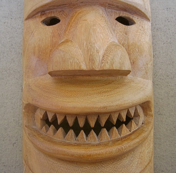 Carved TIKI MASK Scary Grin Sharp Teeth Handmade Polished Wood Wall Hanging for Man Cave Fathers Day Gift Home Decor Men Fathers Day Gift