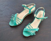 proprietor picks // shoes // 70s Green Strappy Wedge Heel Sandals // size 6 6.5