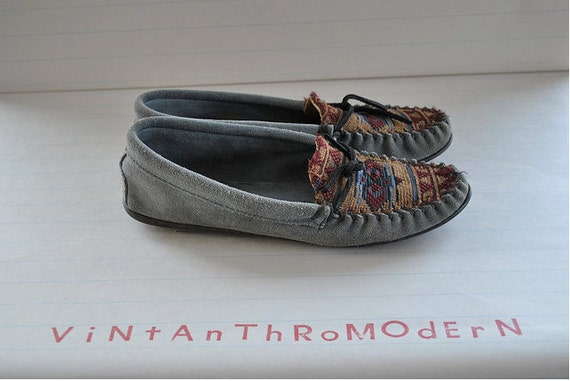 Reserved  western chic // shoes // 70s Minnetonka Slate Gray Suede Southwest Moccasin Flats
