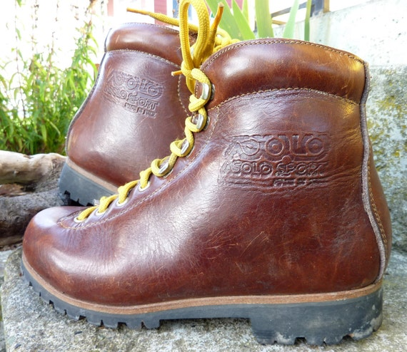 70's Mountaineer Asolo Women's Hiking Boots size 7.5