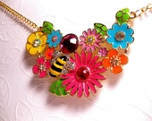 Garden Of Eden Necklace - Colorful - Bumble Bee Insect - Flower blooms