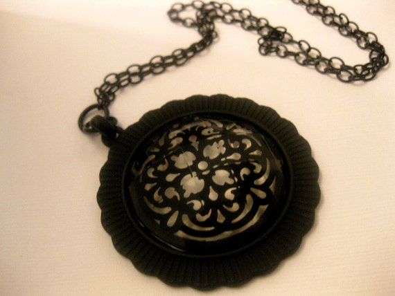 Wear With Jeans Black Snow Flake Glass Pendant Necklace With Adjustable Chain