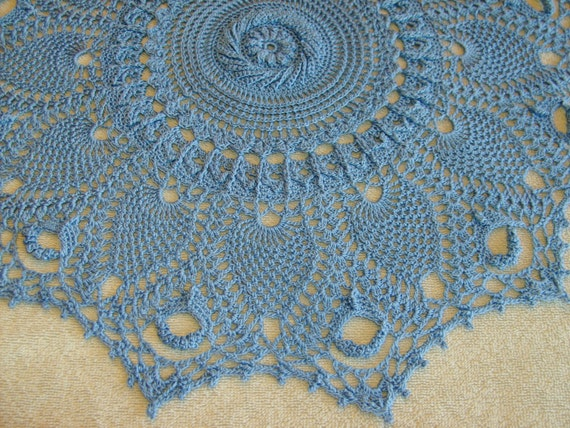 "Beautiful Crochet 19"" Pineapples and Spiral Doily"