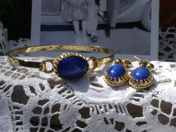 Vintage Avon Faux Lapis Goldtone Bracelet and Earring Set - 1974