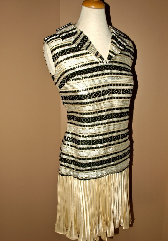 Vintage 70s pleated MOD flapper party DRESS ethnic aztec print GOLD & black small by: transformedvintage