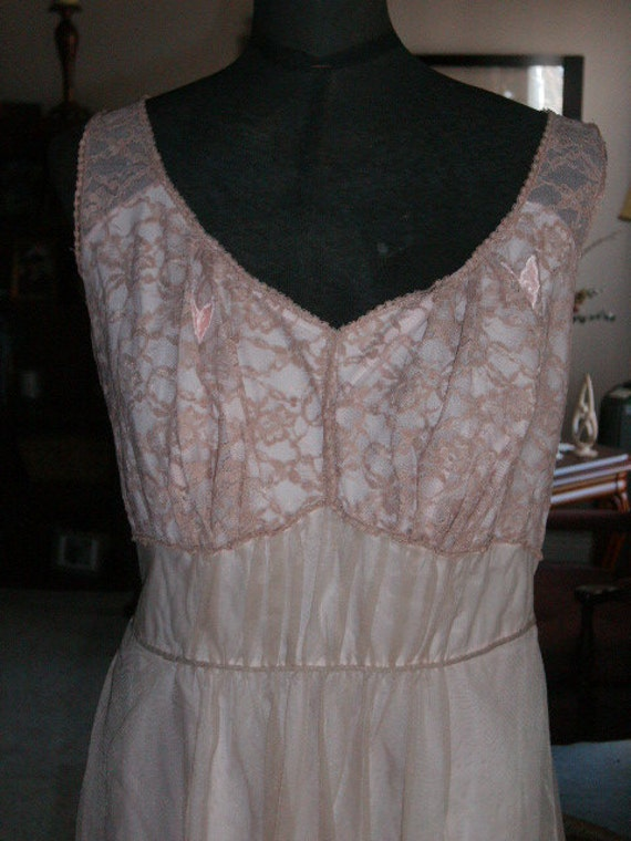 Vintage 50's nightgown ARTEMIS nylon  layered frilly lace 38