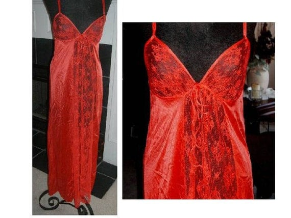 Vintage nightgown lingerie KAYSER Red lace front Antron nylon  M
