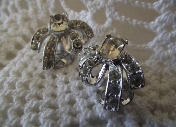 Vintage earrings clear rhinestones silver clip on 50's wedding bride
