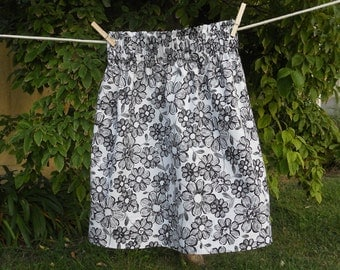 Black and White Short Cotton Skirt, Size Small to Med
