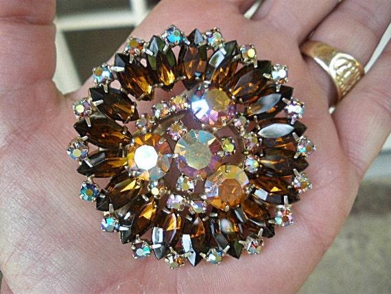 Vintage 50s Huge Amber and Iridescent Rhinestones Brooch Pin MAD MEN Retro Costume Jewelry