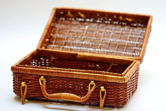 Vintage Wicker Basket Sewing Box or Primitive Purse/Case