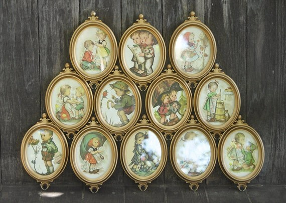 Lot of 12 Gold Oval Connecting Frames