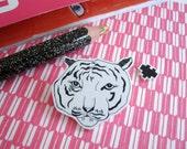 LAST CHANCE Tiger love-brooch