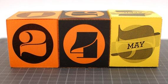 Perpetual calendar printable DIY cube box colorful useful desk 2012 calendar