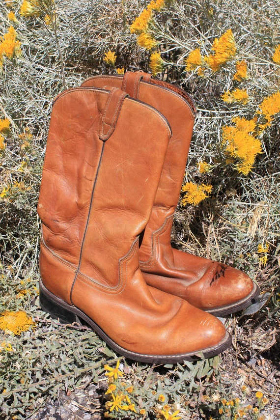 Dusty Desert - Vintage 70s Mens Acme Cowboy Boots Size 10 D, Western Wear from Reno