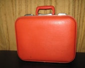On Hold for Detroit Bride's Magaine: 50s Vintage Suitcase in Good Condition, for decorating, traveling, remembering