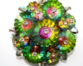 WOW HELIOTROPE, Colorful Vintage Brooch with extraordinary Rhinestones. Brilliant.