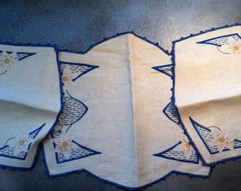 3 Dresser Scarves