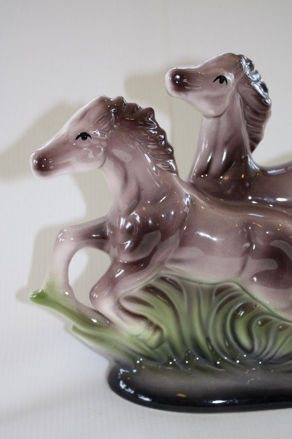 wild horses statuette // ceramic ponies // midcentury kitsch decor