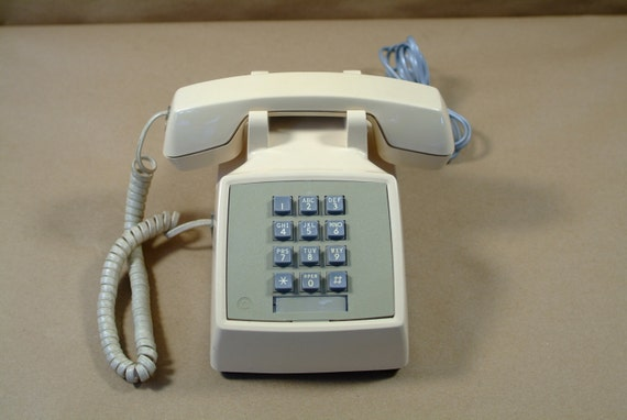 ATT ( Western Electric 2500) Beige Touch Tone Desk Phone With Handset Volume Control