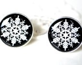 Snow flake cufflinks -  winter inspired keepsake gift for the groom, groomsmen, father of the bride on wedding day - style 002