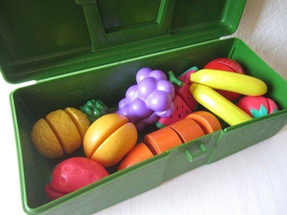 Plastic Green Container with Fruit and Vegetable Puzzle