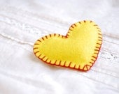 Valentine brooch , Yellow heart   -  valentine heart brooch,hand stitched Felt heart pin - urBunny