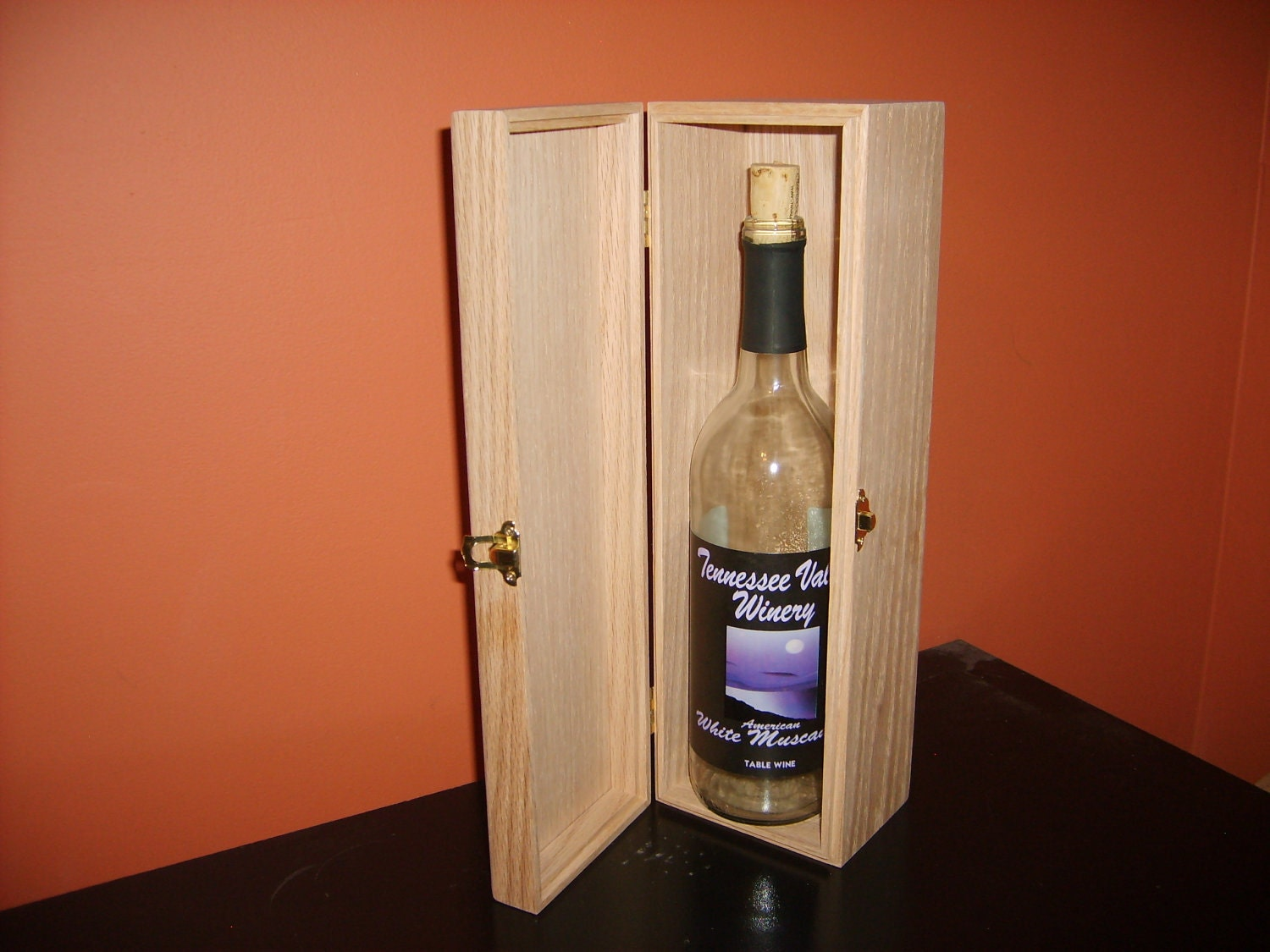 Unfinished wood wine box w hinges latch 1 bottle unfinished for Timber wine box