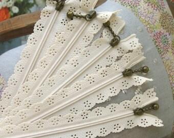 Lace Zippers Supplies Scallop Lace Clothes Purse Bags Ecru Metal Zipper Trim DIY Fabric Crafts Alterations 9 inchs Long 5 pcs